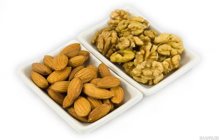Миндаль и грецкие орехи