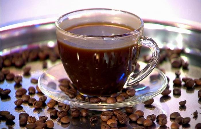 Кофе усиливает работу всех пищеварительных желез