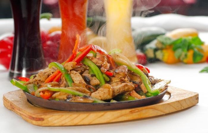 Острая еда способствует появлению изжоги