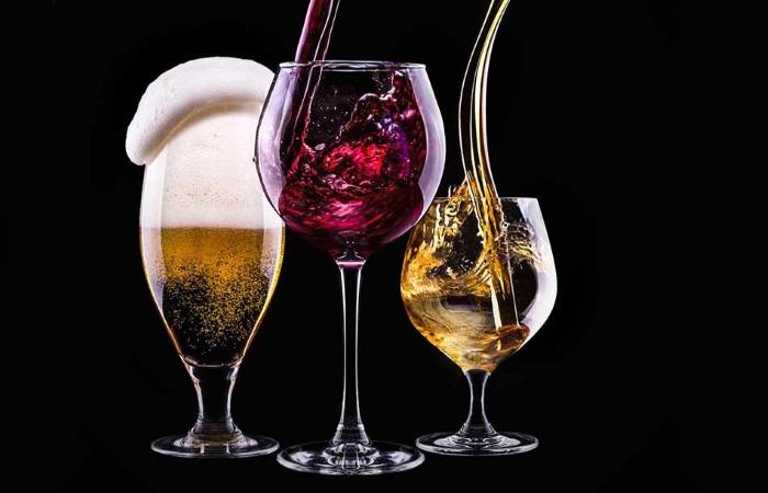 Злоупторебление спиртными напитками вызывает проблемы с ЖКТ