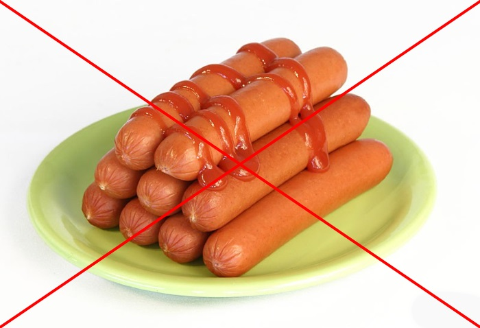 О вреде сосисок и колбасы известно практически всем