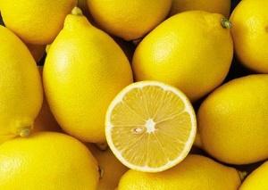 Изжога после употребления лимона: может ли быть, причины, что делать?