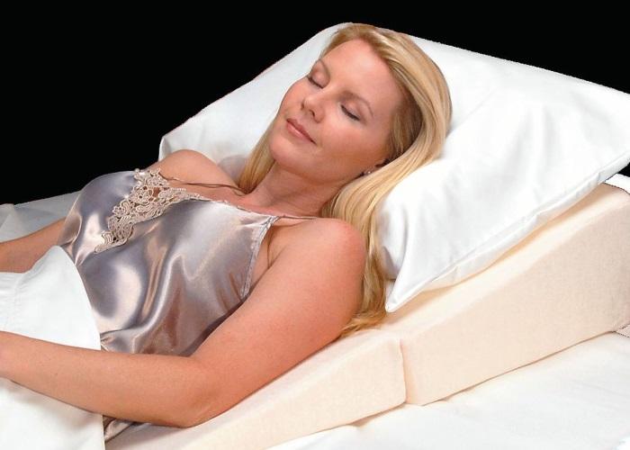 Специальные подушки для сна с приподнятым головным концом