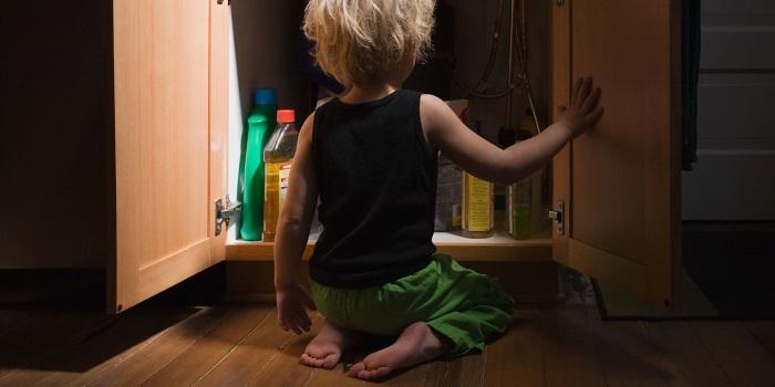 Моющие средства не должны находиться в свободном доступе для малышей