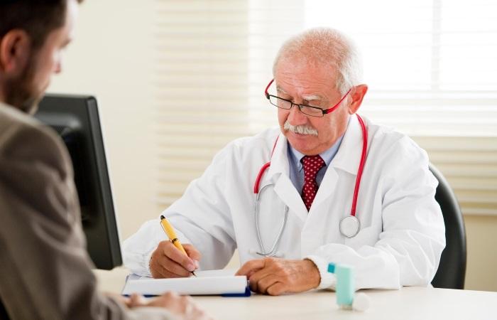 Существуют медикаментозные и хирургические методы лечения дисфагии