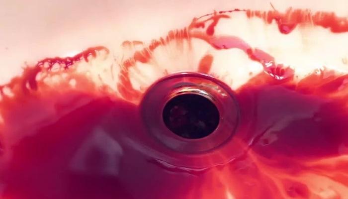 Характерным признаком пищеводного кровотечения является рвота алой кровью