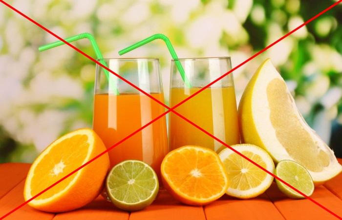 Цитрусы оказывают раздражающее на пищевод действие