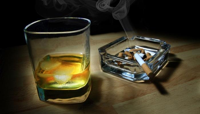Спиртные напитки и табак негативно влияют на ЖКТ