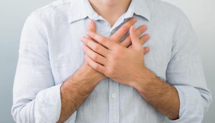 Эзофагит представляет собой воспаление слизистой оболочки пищевода