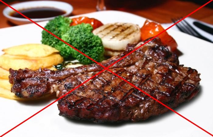 Жирная и жареная пища противопоказана при ГЭРБ