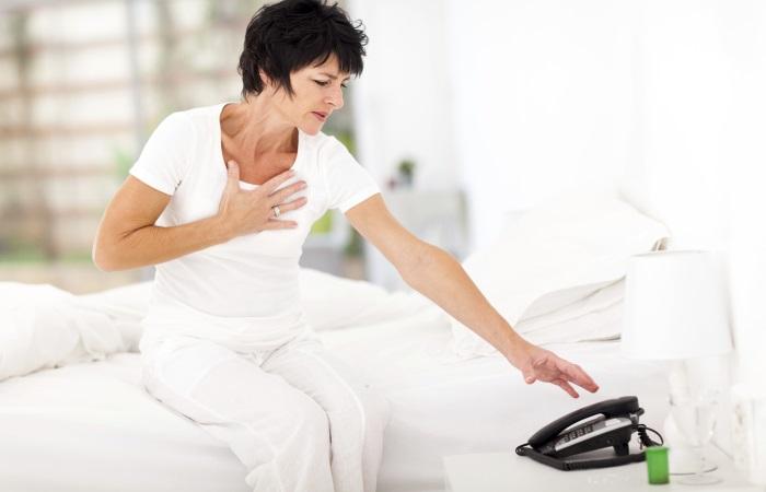 Типичная боль при инфаркте носит давящий характер