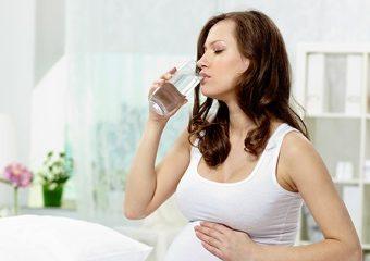 Как избавиться от изжоги в период беременности: изменения в рационе, лекарства и народные средства