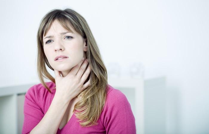 У женщины затруднение глотания